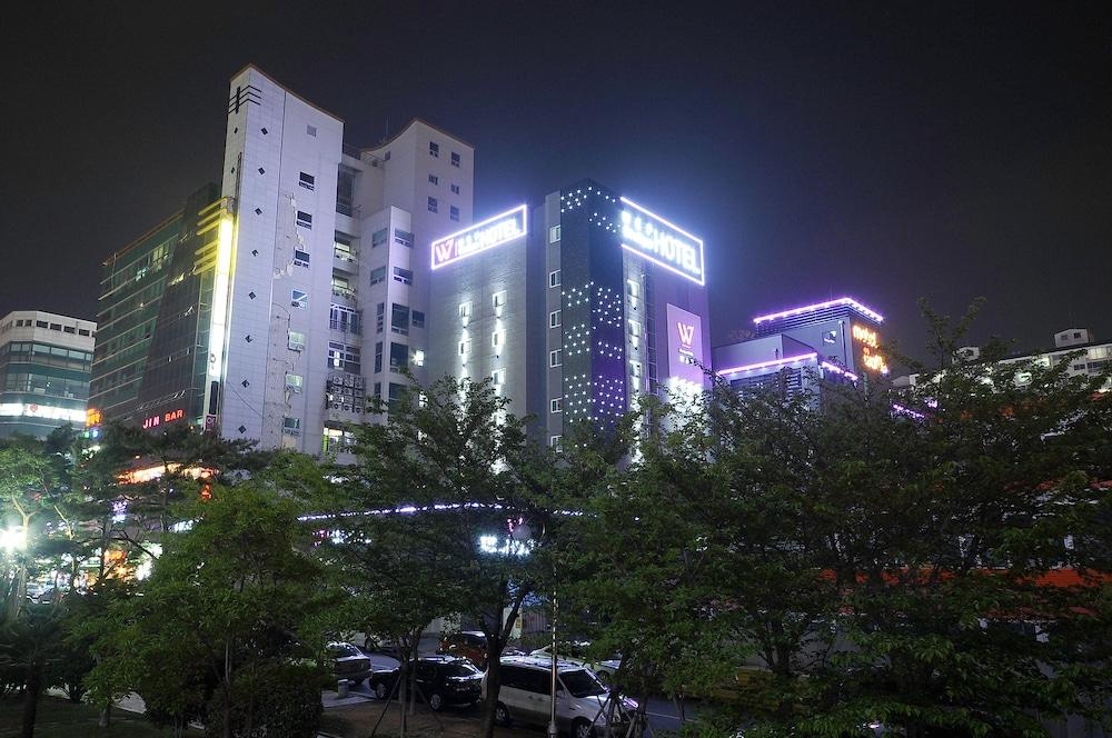 Hotel WEP Gimhae
