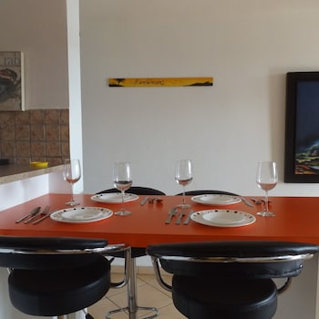 Front Beach Luxury Apartment - Dining  - #0