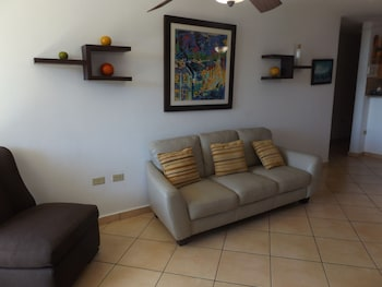 Front Beach Luxury Apartment - Living Room  - #0