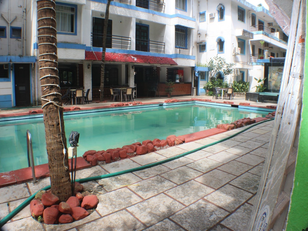 OYO Apartments Candolim 2