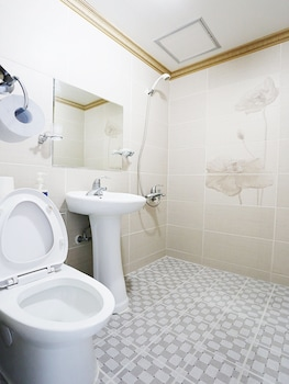 James Blue Guesthouse - Hostel - Bathroom  - #0
