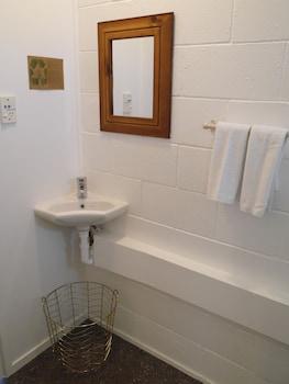 Raglan Palm Beach Motel - Bathroom  - #0