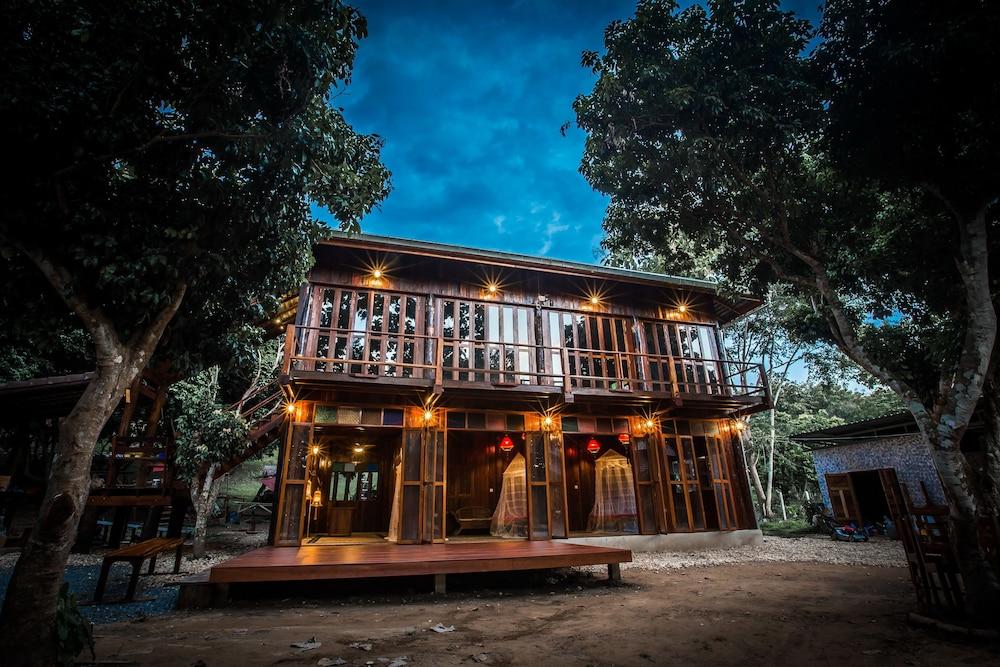 Nan De Panna Riverside Homestay