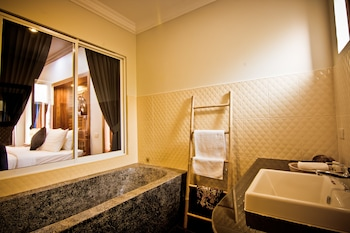 Ravorn Villa Boutique - Bathroom  - #0