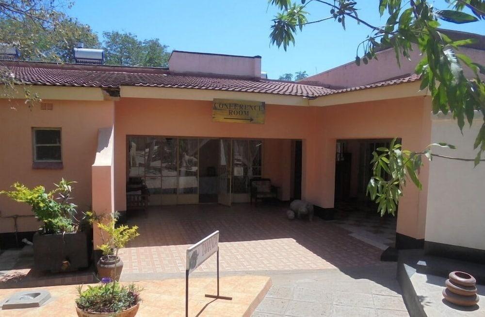 Tatenda Safaris