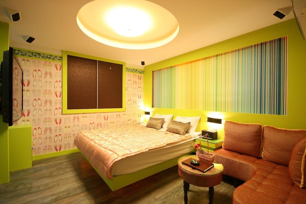 Special W Motel