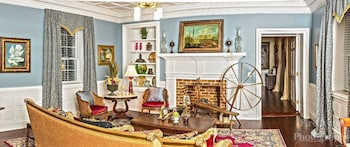 The Katherine Grace Manor - Lobby Sitting Area  - #0