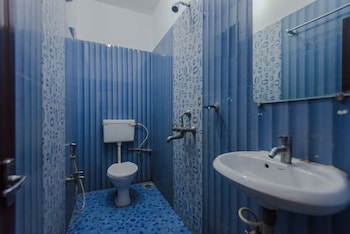 OYO StayOut Casino Palms Baga - Bathroom  - #0