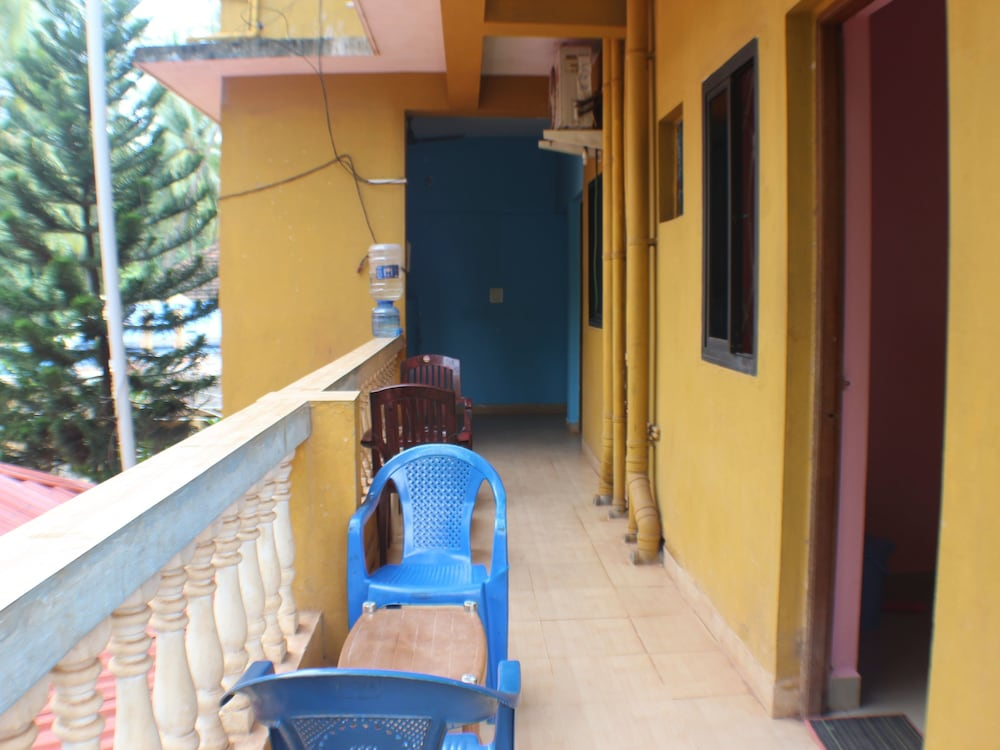 OYO StayOut for 2 at Calangute Beach
