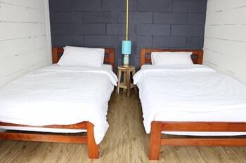 Norn Nung Len Cafe & Hostel - Guestroom  - #0