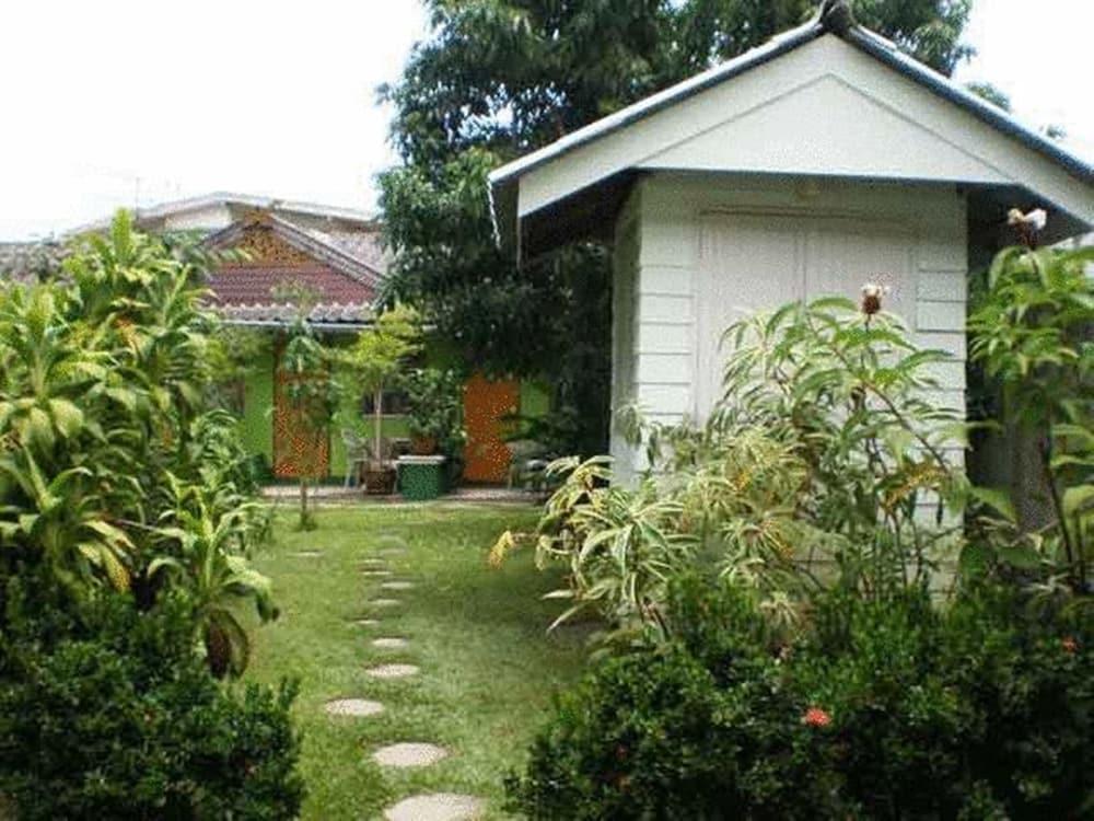 Baan Bua Guesthouse