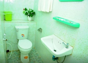 Pyone Pann Wai Motel - Bathroom  - #0
