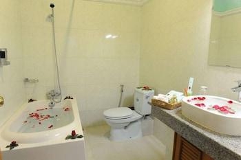 Shwe Kyun Hotel - Bathroom  - #0