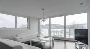 Das schönste Penthouse am Zürichsee - Featured Image  - #0
