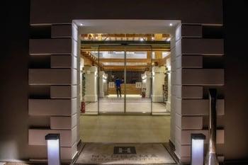 Hydrama Grand Hotel - Hotel Entrance  - #0