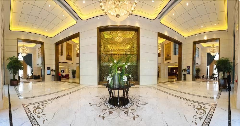 S&N International Hotel