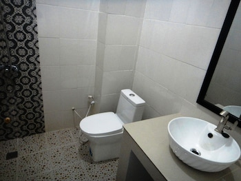 My Parent Guesthouse - Bathroom  - #0