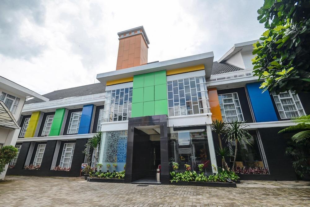Airy Regol Dewi Sartika 108 A Bandung