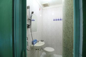 Airy Nagoya Komplek Bumi Indah Blok Empat 50 Batam - Bathroom  - #0