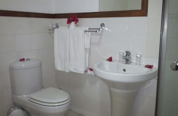 The Big 5 Chobe Lodge - Bathroom  - #0