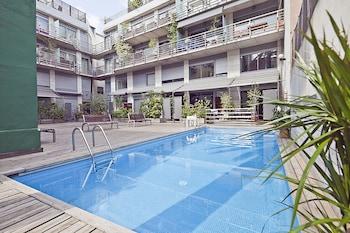My Space Barcelona Gracia Pool Center