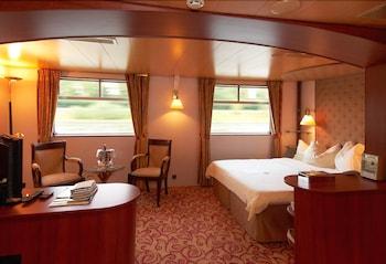 KNM MS 瑞士 II 號杜塞道夫飯店