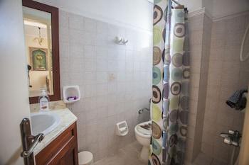 Zoi Studios - Bathroom  - #0