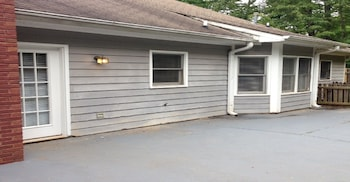 Opis Realty - Radcliffe - Terrace/Patio  - #0