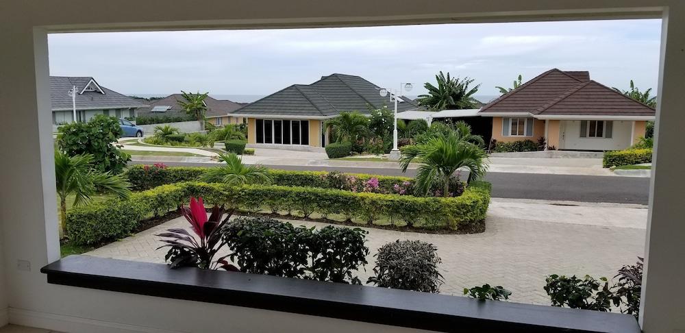 Ocho Rios Villa at Coolshade V By The Vacation Casa