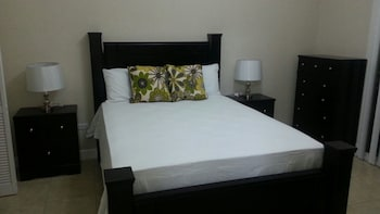 New Kingston Guest Apt at Sonoma Estate - Guestroom  - #0
