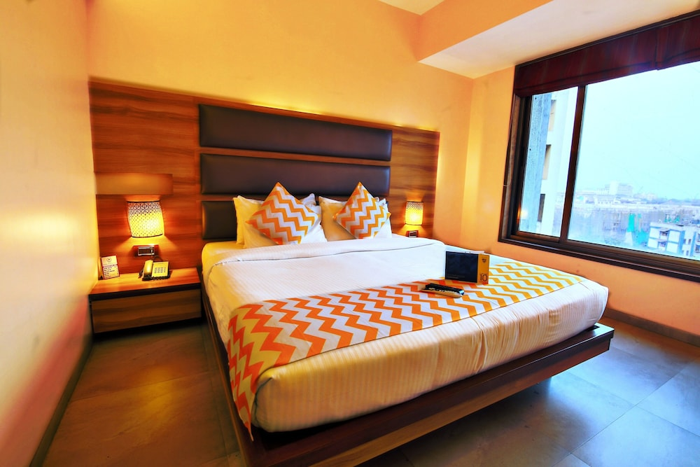 FabHotel Crawford Inn South Mumbai
