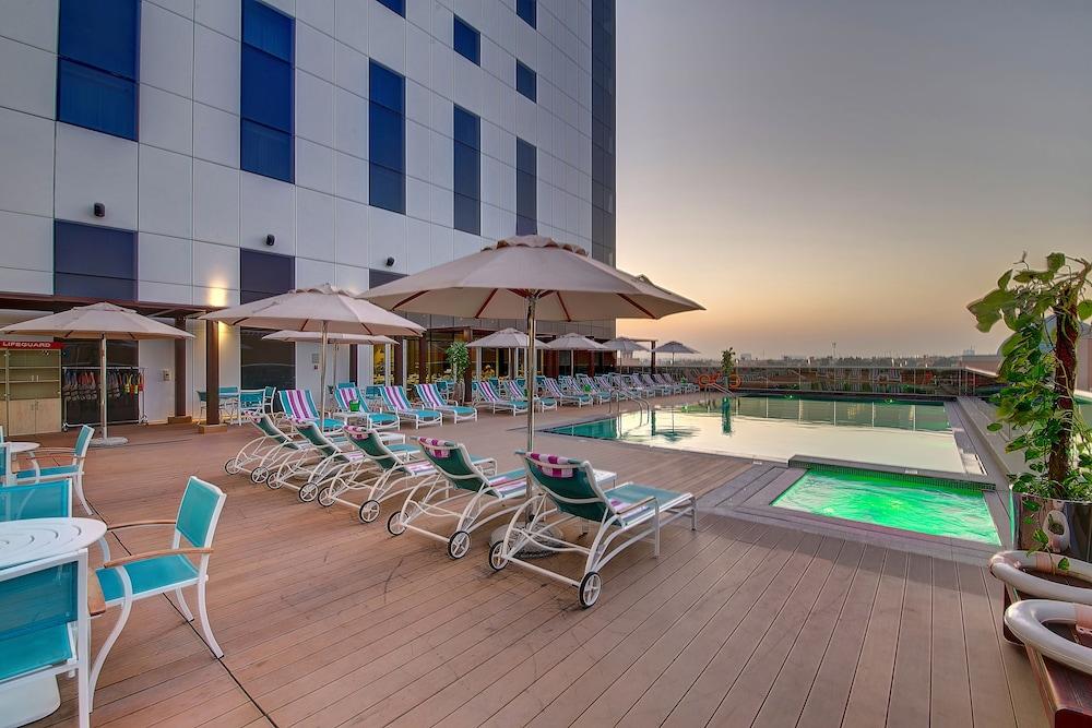 Premier Inn Ibn Battuta Mall Dubai Price Address Reviews