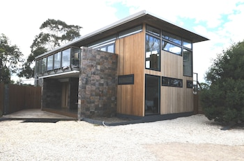 Photo for Malting Lagoon Guest House and Brewery in Coles Bay, Tasmania