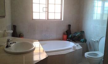 Inca-Rose Guest House - Bathroom  - #0