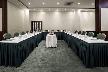 Lily Hotel Suite Mubarraz - Meeting Facility  - #0