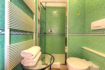 Domus - Bathroom  - #0