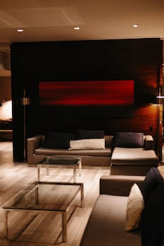 StripViewSuites at Palms Place - Lobby Sitting Area  - #0