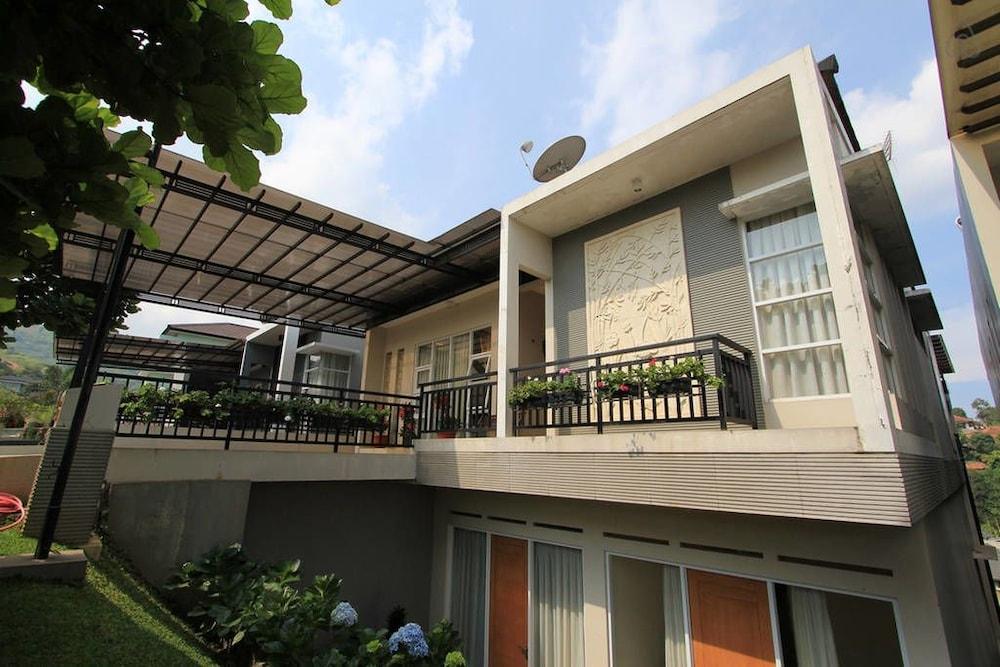 Spring Hill Villa Syariah