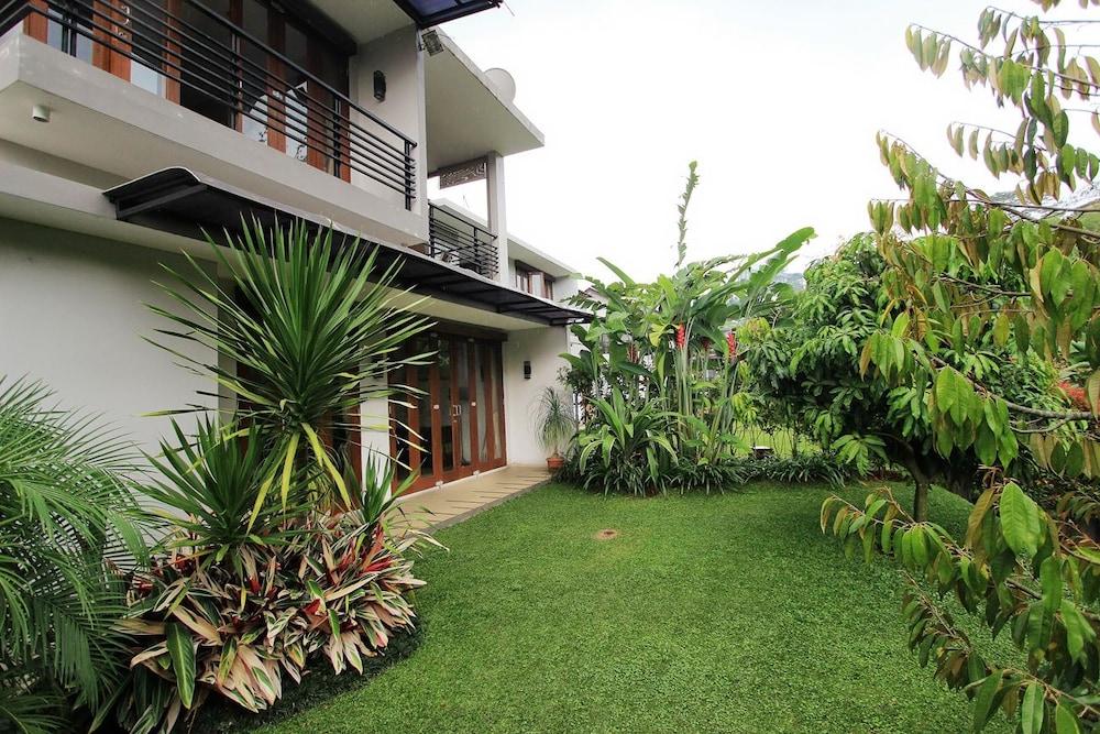 Villa Nirwana Syariah