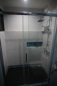 Baan Kon Pai - Hostel - Bathroom Shower  - #0