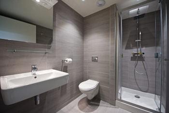Staycity Aparthotels Rue Garibaldi - Bathroom  - #0