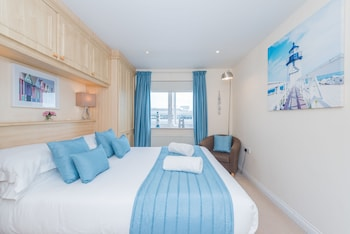 Photo for Seaview Apartment Brighton Marina in Brighton