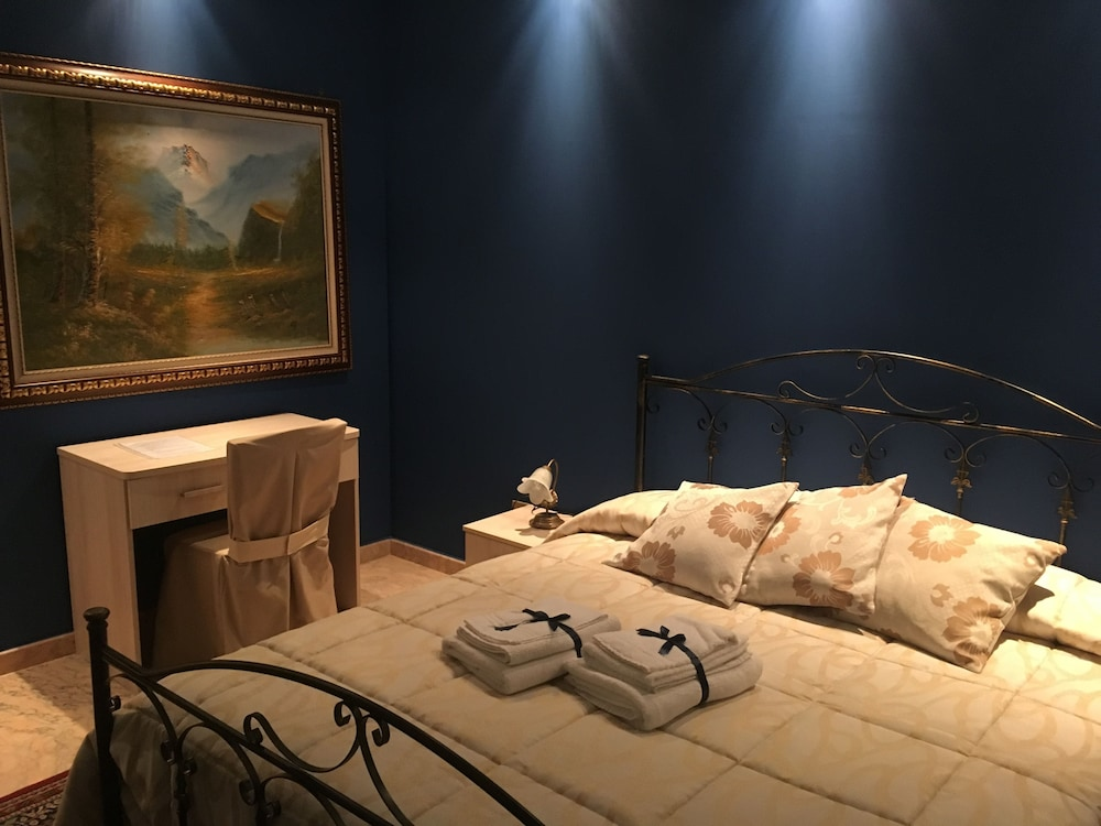 Bed & Breakfast Opera