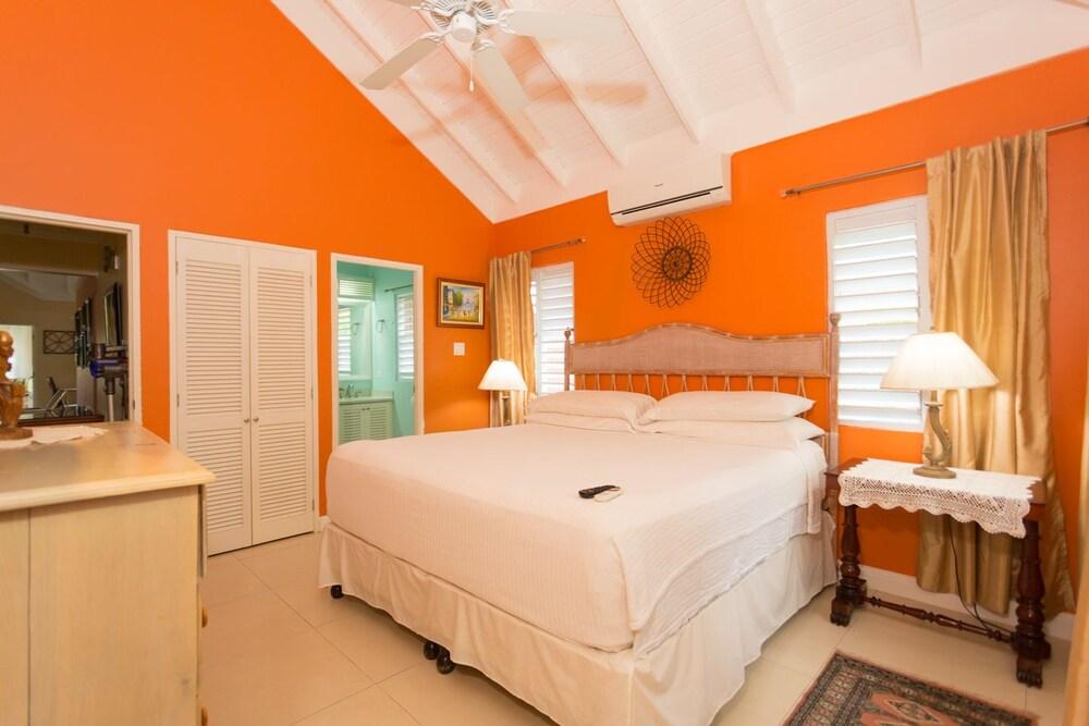 Ocho Rios Getaway Villa at The Palms
