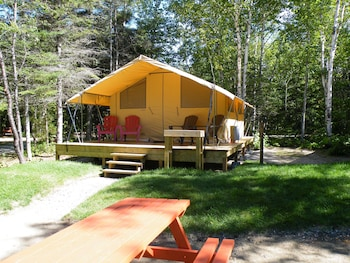 Les Prets a Camper du Camping Tadoussac - Featured Image  - #0