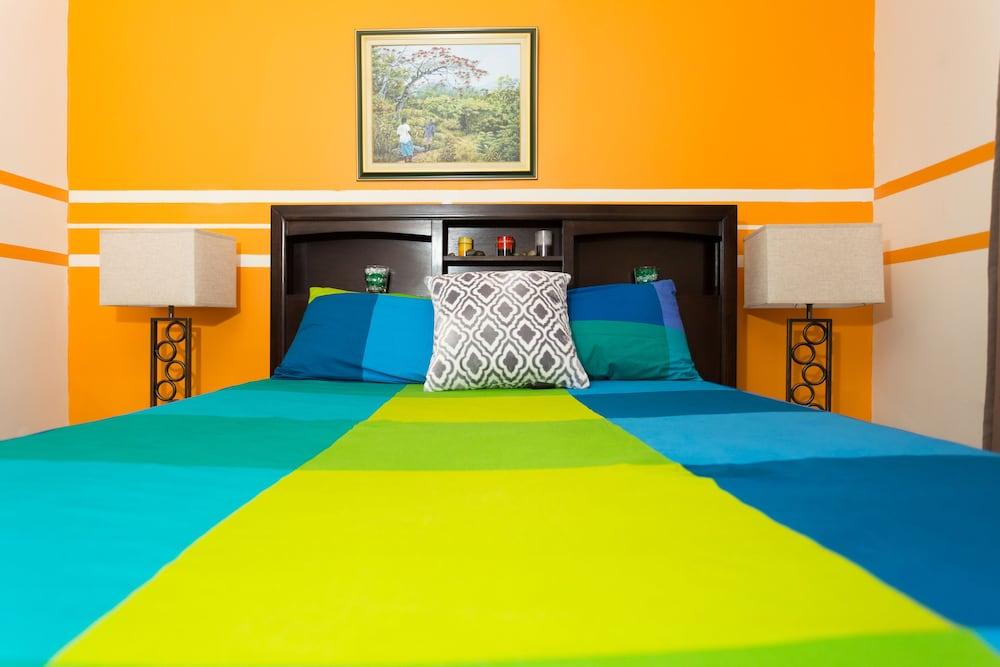 Caymanas Estate Country Club Villa By The Vacation Casa