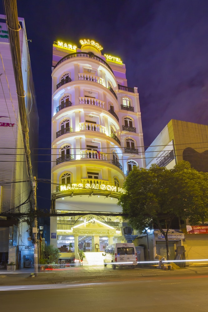 Mars Saigon Boutique Hotel