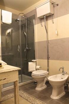 Residenza D'Epoca Corte Dei Neri - Bathroom  - #0