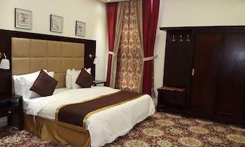 朱拉納爾阿薩爾奎套房飯店