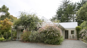 Plum Tree House and Quince Cottage - Parking  - #0